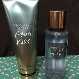 🌟 Victoria secret Aqua kiss lotion and mist set
